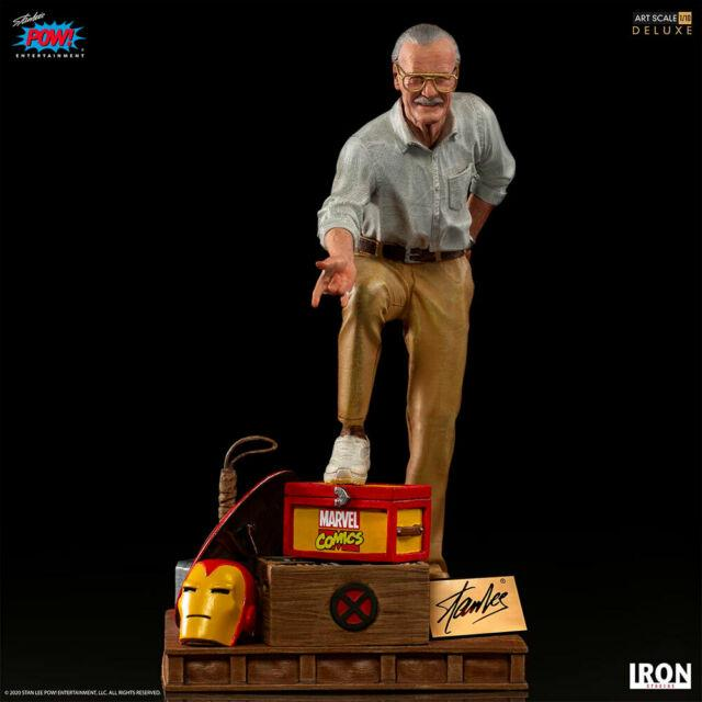 Iron Studios Marvel Stan Lee Deluxe Art Scale 1/10 Battle Diorama Statue In Hand